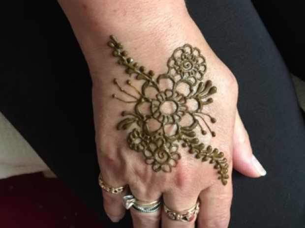 10% off Henna Parties with Wrexham Savers card
